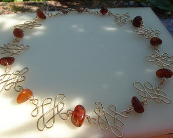 Elegant necklace, gold 585 (14 K) and amber!