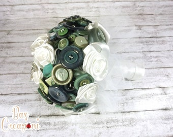 Sage green and white alternative bouquet - - Greenery 2017