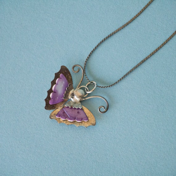 Vintage Silver Butterfly with Purple Stone Pendant Neckace