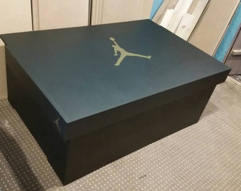 XL TRAINER / SNEAKER Storage Box   Nike Air Jordan (holds 16no Pairs),