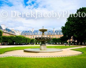Place des Vosges, Marais, Paris, France