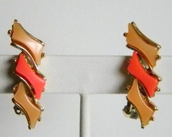 Vintage Gold Tone Lucite Peach Tangerine Clip Earrings