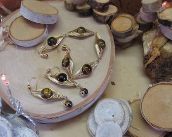 Herringbone Wire Wrap Tigerseye Bracelet and Earrings