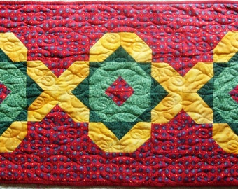 Golden Trellis handmade table runner quilt, machine quilted, in gold, green and red; quilt with stars, quilt with olives?, ready to ship