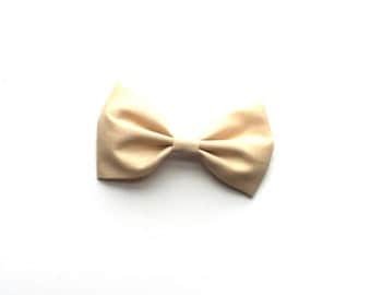 Cream cotton bow