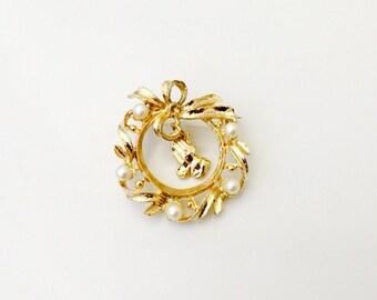 Vintage Religious Brooch, Golden Faux Pearl Wreath Brooch. Prayer Pin