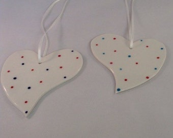 Spotty hanging hearts x 2
