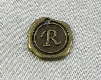 "Bronze Wax Medallion Letter ""R"" Charms 1 or 5 letters per package  ALF014r-BZ"