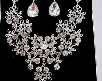 Bridal Crystal Jewelry Set Bridal Bib Necklace Dangle Clip On Earrings Rhinestone Bridal Statement Jewelry Wedding Bridal Flowers Jewelry