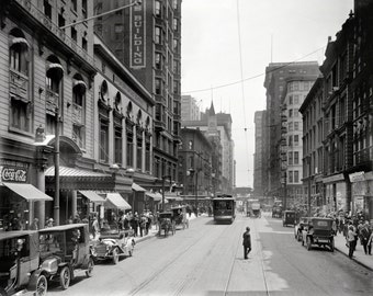 Downtown Chicago (1910)