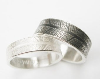 Silver Wedding rings with leaf pattern grain