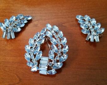 Stunning Gift! Vintage Brooch & Earrings Set! B David Sapphire Blue Laurel Wreath Brooch w/ Matching Earrings