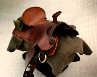 Miniature Legend of Zelda Saddle