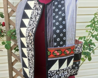 60s Vintage Patchwork XS Vest Hippie BOHO CHIC Black + White + Red Floral Quilted Pocket Handmade Festival