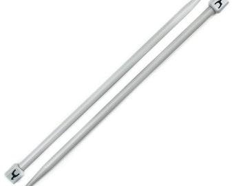 Pony classic, single pointed knitting needles, 35 cm length, 14 inches, 7 mm diameter, plastic knitting needles.