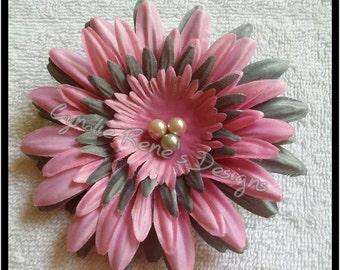 Pink & grey flower clip