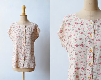floral yellow & pink blouse / size S-M / round neck / button closure front / vintage 90s floral rayon blouse