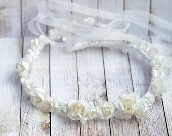 White bridal flower crown, White wedding crown, Flower crown boho, white floral crown, ivory flower crown, white halo with pearls