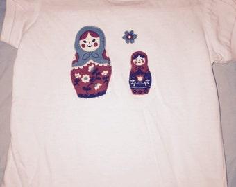 Clearance - Girls shirt with bubushka applique
