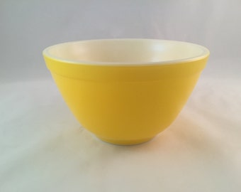 SALE - Small Yellow Pyrex Mixing Bowl