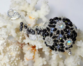 "bag charm ""Daisie"" jet and crystal ab"
