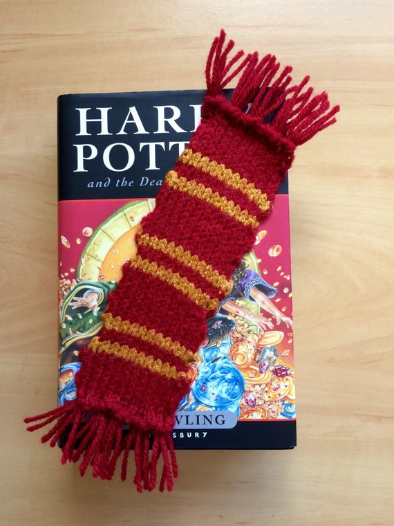 Harry Potter Gryffindor style bookmark scarf