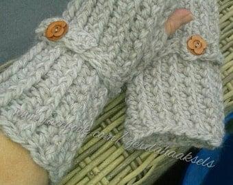 Crochet Wrist Warmers, Fingerless Mittens, Fingerless Gloves, Arm Warmers, grey wrist warmer, glove with button