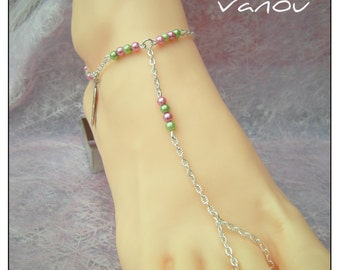 Jewel of foot in Pearlized Glass Fuchsia beads Green
