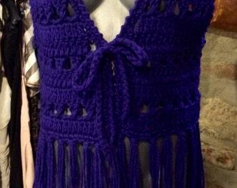 1970's dark purple fringed handmade knitted boho wool vest. Size S/M.