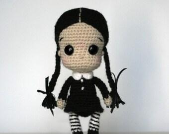 Elfin Thread- Wednesday Addams Chibi Doll Amigurumi PDF Pattern (Halloween Crochet Doll Pattern)