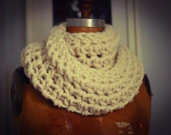 Grand Frisson infinity scarf in Alpaca