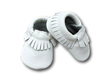 FREE SHIPPING! White Leather Baby Moccasins // White Baby Moccasins // Baby Moccasins // Baby Mocassins