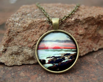 Pendant based on painting of Winslow Homer