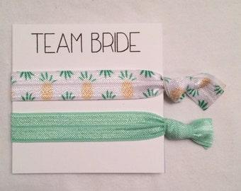 SALE-Bridesmaid hair tie favor//hair tie card, elastic hair tie, Bachelorette favor, bachelortte party, bridesmaid, wedding, party favor