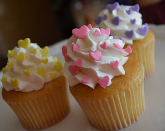 Valentine's Day Fondant Heart Accents, Heart Cupcake Topper, Sugar hearts