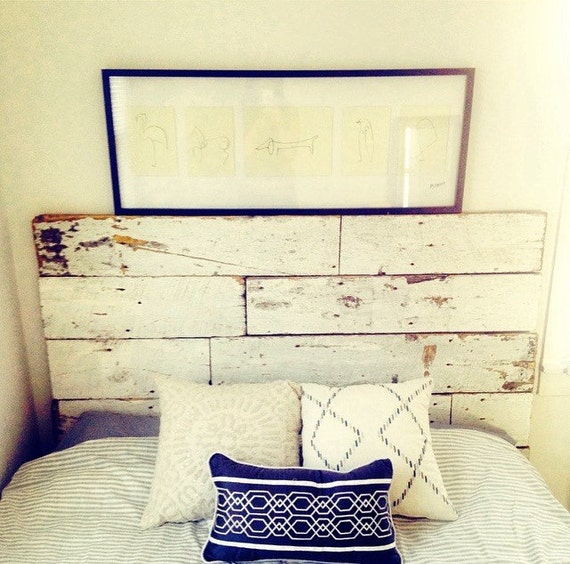 Reclaimed wood headboard vintage white barnwood rustic home for Home decor queen west
