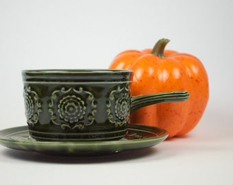 Tams England one-handled soup bowl and saucer, dark green, from the 1970s
