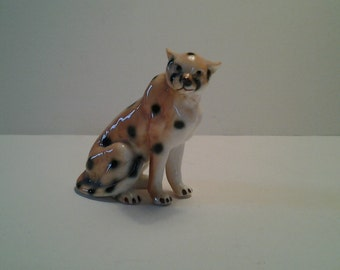 Vintage Cheetah figurine / Bone china Cheetah / Binn's bone china