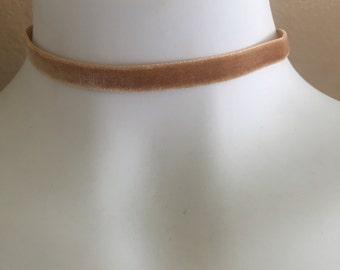 Velvet Choker Necklace in camel