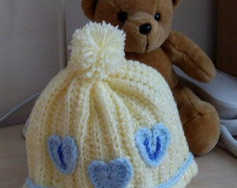 Crocheted Baby's Hat in Pastel Lemon.  UK Seller!