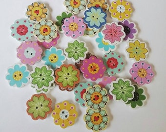 10 Wooden Flower Buttons