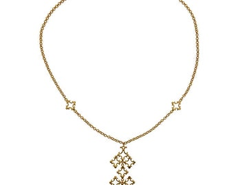 Quatrefoil Pendant Necklace With 18Kt Gold Plated Chain