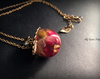 Real flower jewelry, flower necklace, sphere necklace, Rose flower sphere, Nature pendant, Resin necklace, Rosebud necklace, Real rose