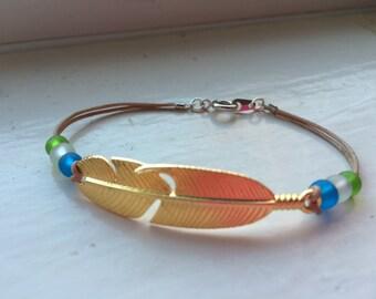 Simple Gold Feather Charm Bracelet, Boho Feather Beaded Bracelet, Layering Bracelet, Handmade Bracelet