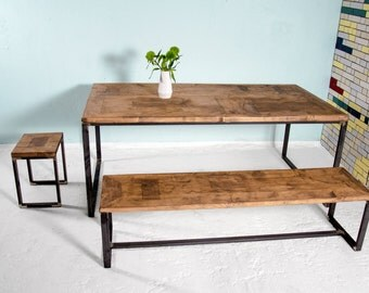 Set includes table MAASTRICHT & Bank BOXI