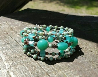 Memory wire bracelet aquamarine beads Czech glass, aquamarine bangle