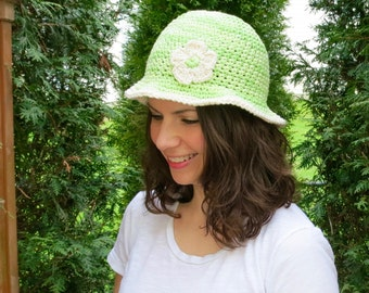 Muti-Colored Green Sun Hat with Cream Trim and Flower
