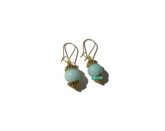 Earrings with jade beads