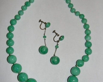 Gorgeous Green Peking Glass Bead Necklace and Dangle Earrings Set