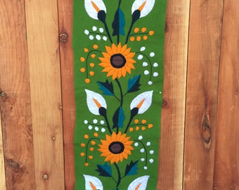 Green mexican table runner, handwoven and embroidered 100% handmade.